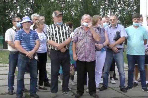 Отстаивать родные земли жители поселка Начапкино пришли все вместе