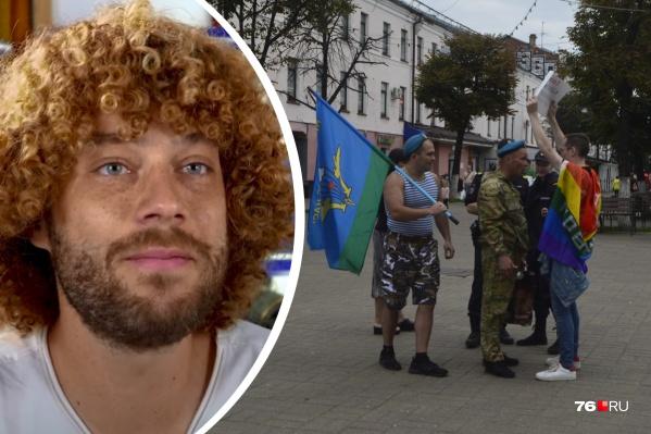 Блогер Илья Варламов высказал своё мнение по поводу стычки десантников с ЛГБТ-активистом