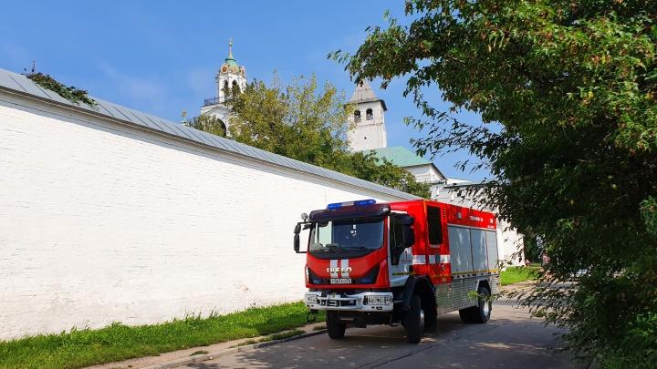 К ярославскому музею-заповеднику стянулись спецслужбы, людей эвакуировали: что там случилось