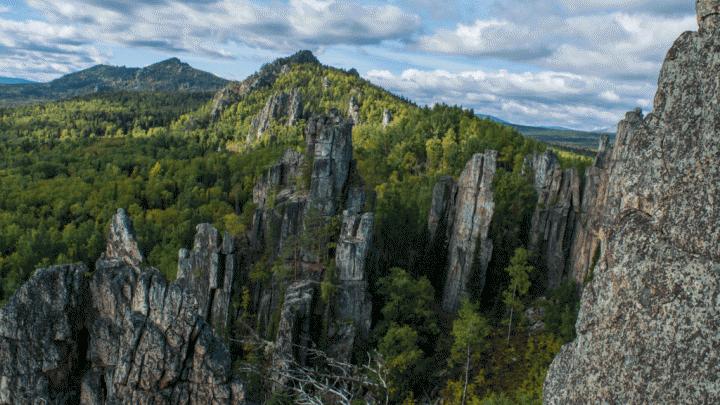 В Башкирии турист сорвался со скалы