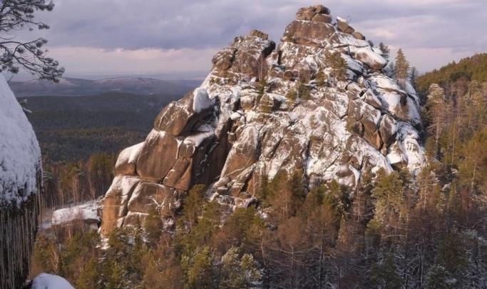 Теплые выходные обернулись для туристов на «Столбах» травмами и переломами
