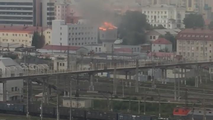 На челябинском вокзале во время грозы погорела водонапорная башня
