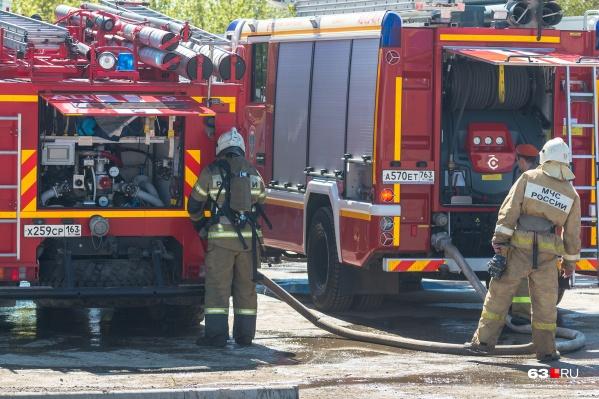 На место ДТП выезжали пожарные