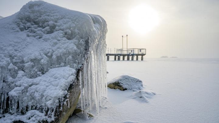 Обское море превратилось в снежную пустыню — 7 удивительных кадров от новосибирского фотографа