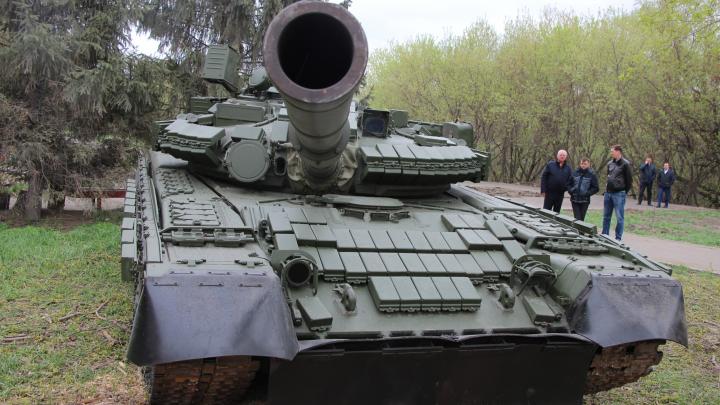 Танк на Щербанёва: как он там появился и всем ли это понравилось?