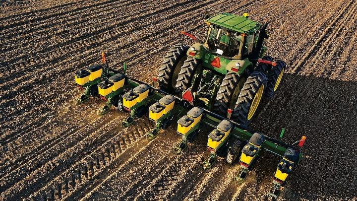 Объем кредитования Россельхозбанком сезонных работ увеличился на четверть