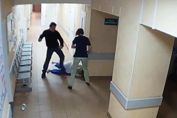 После нападения медперсонал нажал тревожную кнопку
