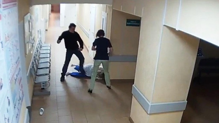 Кузбассовец избил врача. Его не устроило назначенное лечение