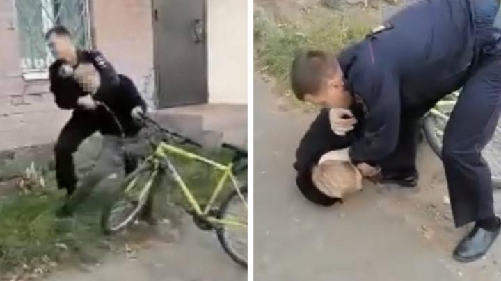 «Братан, тормози!»: в Ярославле полицейский жестко скрутил подростка. Видео