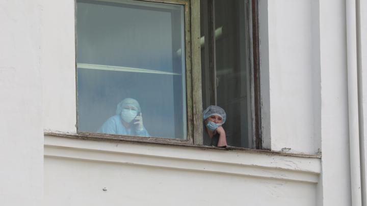 Итог затяжных майских праздников: 227 человек с коронавирусом выявили за последние за сутки