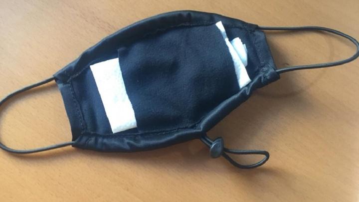 Уральская компания, производящая три тысячи масок в сутки, не может их продавать из-за прорехи в законе