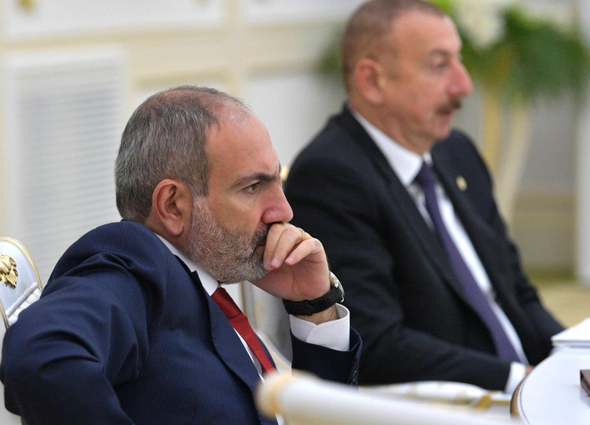 Пашинян и Алиев назаседании Совета глав государств СНГ, октябрь 2019
