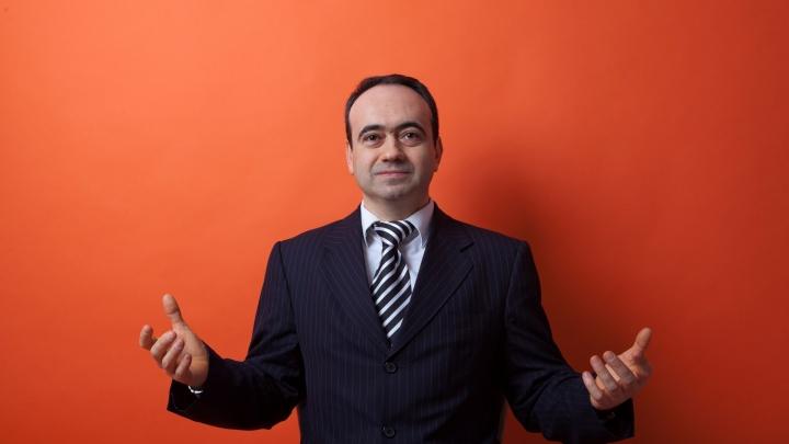 Известного адвоката из Тюмени объявили в международный розыск