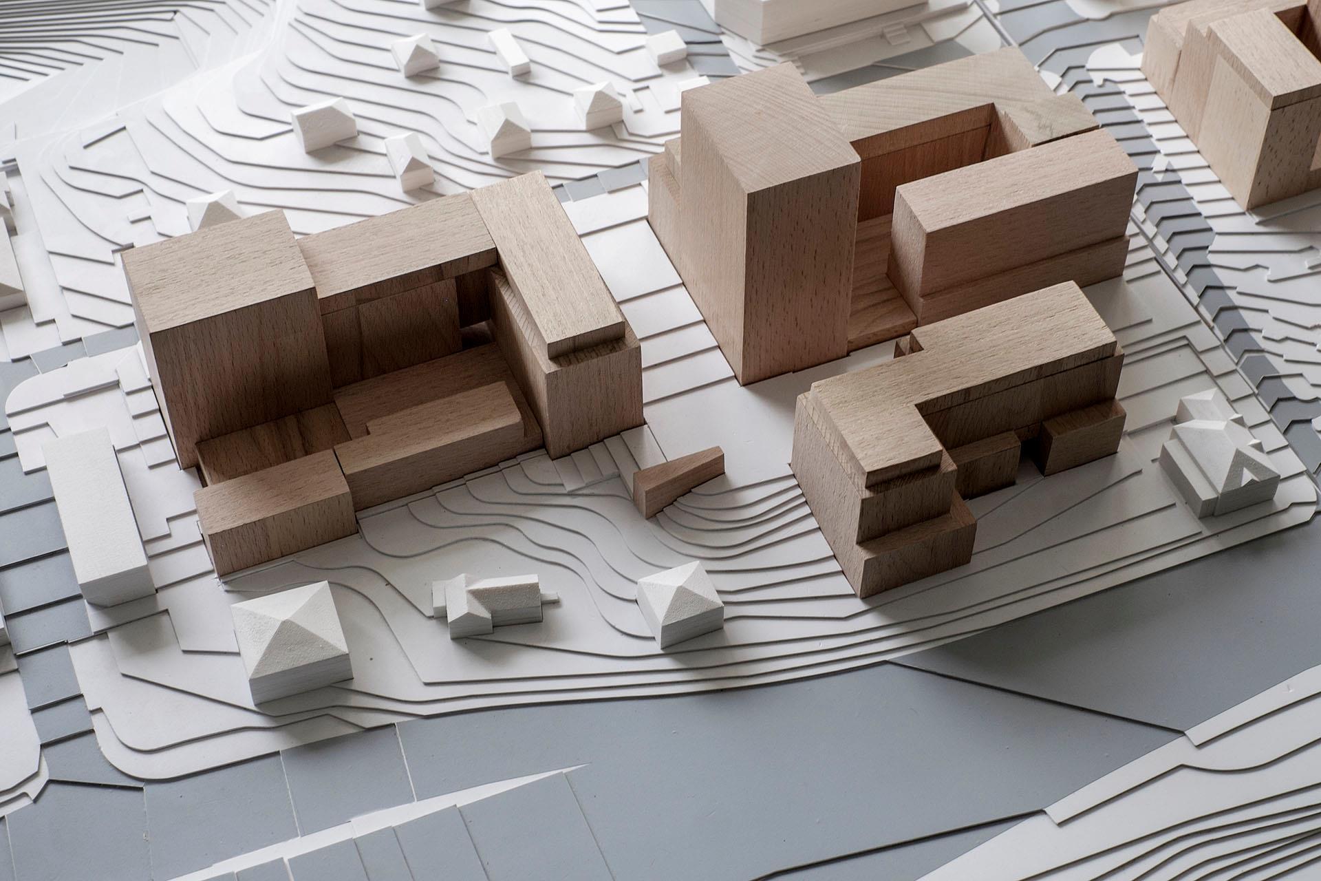 Примерно так должна выглядеть застройка квартала с учетом ландшафта и исторической застройки