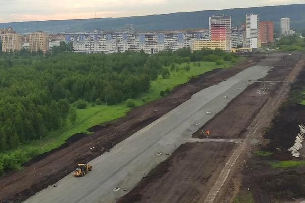 Строительство новой дороги должны закончить в конце августа — ко Дню шахтёра