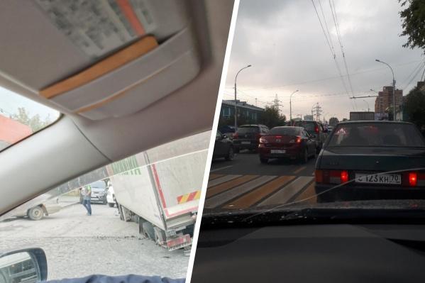 Утро на улицах Владимировская и Дуси Ковальчук началось с огромной пробки