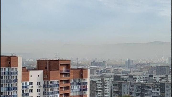 Воздух, опасный для дыхания: Красноярск накрыли едкие выбросы