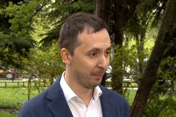 По словам Мелик-Гусейнова, все вопросы о доплатах решаются довольно оперативно