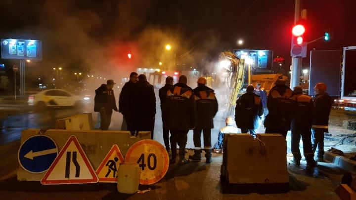 Ночь без движения и отопления: в Волгограде перекроют улицу Землячки для замены трубы