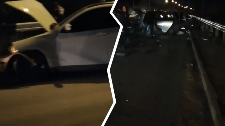 «Там выбивали стёкла»: в массовой аварии на Винаповском мосту пострадали несколько человек