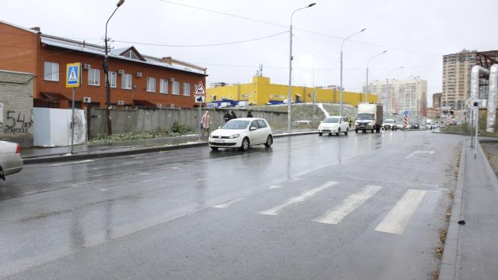 Сплошная — не помеха. Место в Новосибирске, где можно выезжать на встречку вопреки правилам
