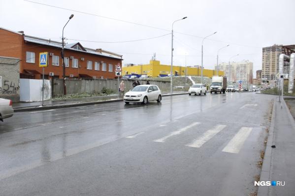 Улица Фадеева перед соединением с улицей Гребенщикова