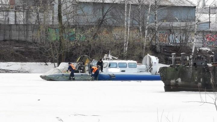 На борту были взрослые и дети: в Ярославле эвакуировали пассажиров из сломавшегося судна