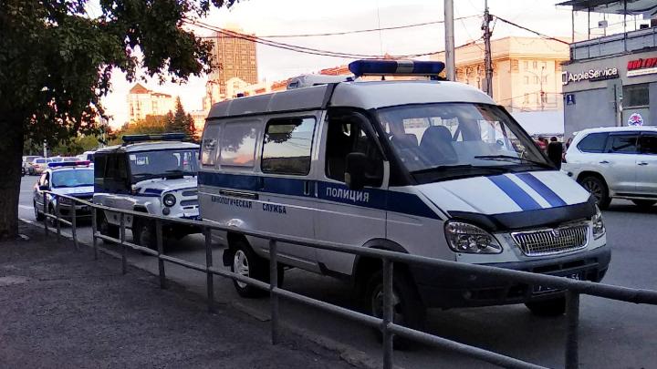 Новосибирцы заметили на Ленина несколько полицейских машин — рассказываем, что происходит