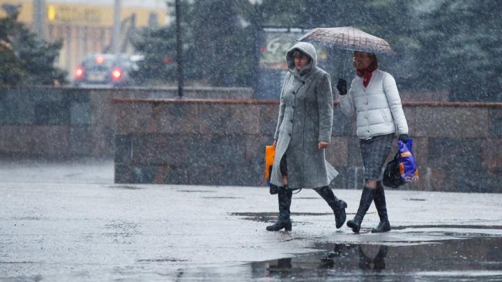 Волгоградцев предупреждают о шторме со снегом и дождём
