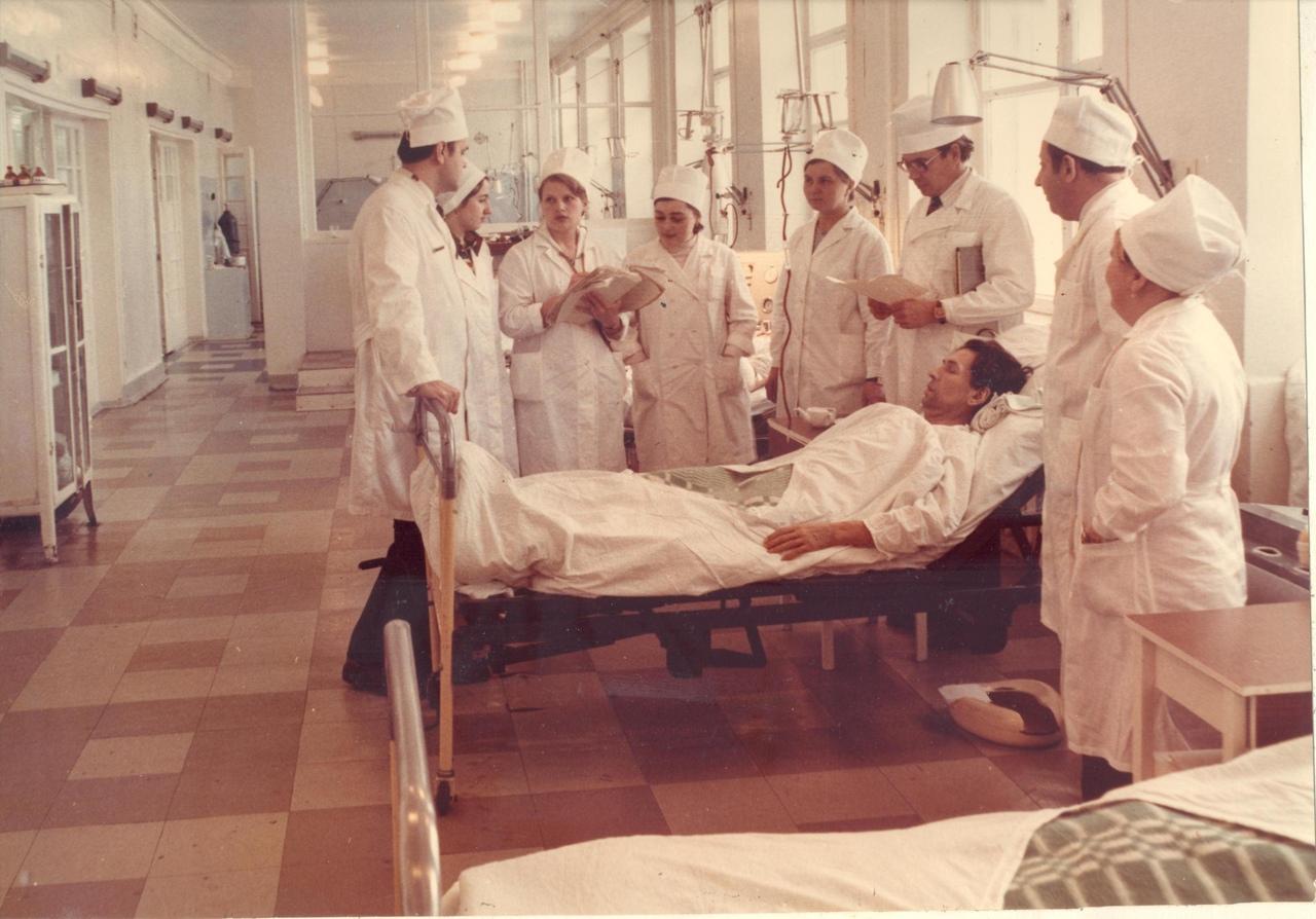 Больница работала круглосуточно