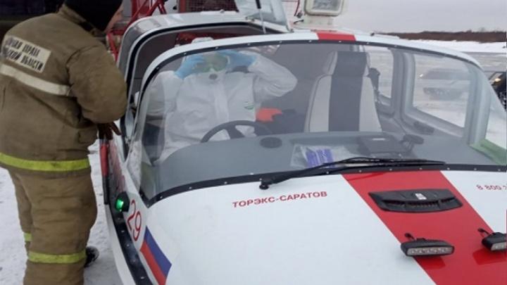 Пожарные в Верхней Тойме и Красноборске перевезли через реку пациентов с подозрением на COVID-19