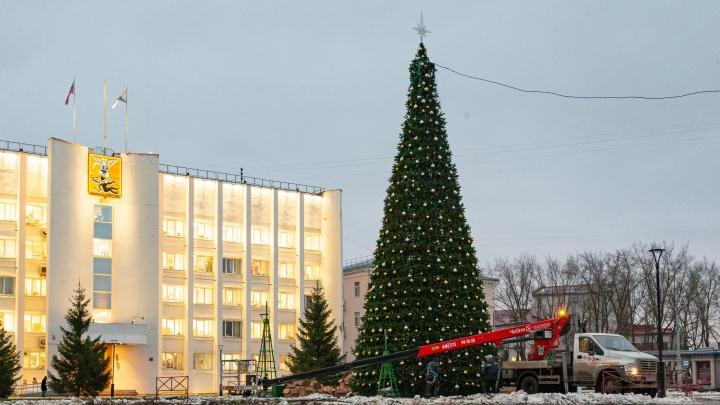 «Сердце», которое зажигает огни: смотрим, что внутри главной новогодней елки Архангельска