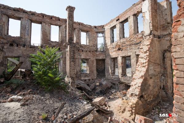 У чиновников большие планы на сгоревший участок