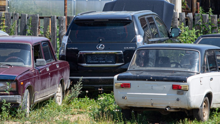 Мы нашли чёрный Lexus Андрея Косилова, на котором он попал в подсудное ДТП. Эксклюзивные фото