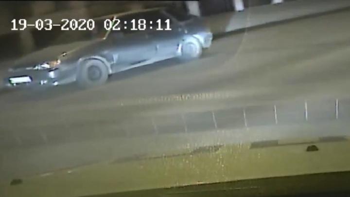Надо же было такому случиться: волгоградцы выехали на угнанной машине навстречу полицейским