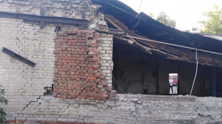 В историческом центре Самары рухнула стена гаража
