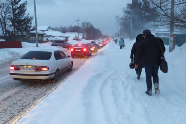 Дорога на улицу Фадеева должна была спасти Родники от пробок