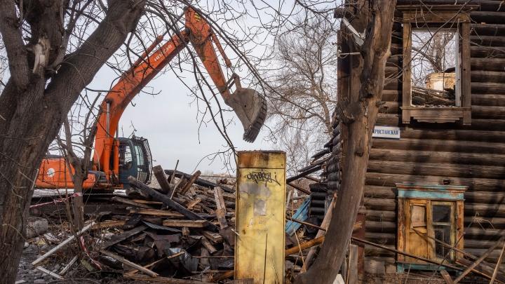 Рядом с Масловским взвозом снесли 101-летний дом, под которым проходит старая сеть подземных ходов