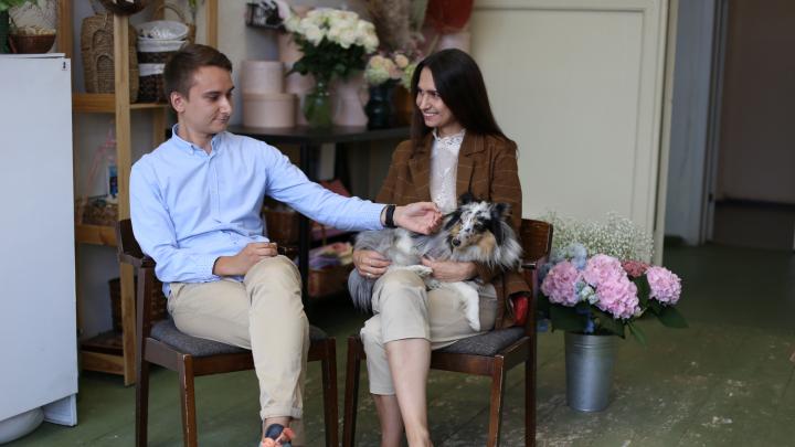 Пара бросила Питер ради цветочного бизнеса в Сибири. В пандемию их выручка подскочила в два раза