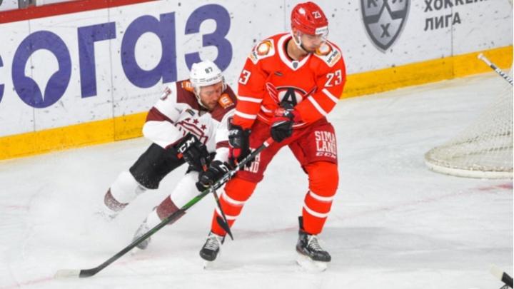 «Автомобилист» в гостях вырвал победу у рижского «Динамо»