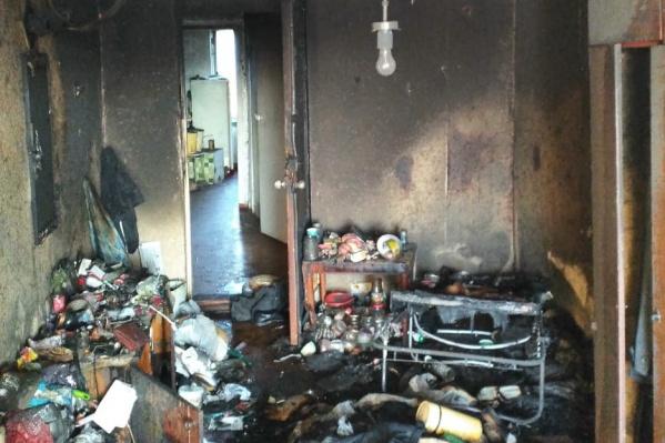 После пожара коммунальная квартира стала непригодной для жилья
