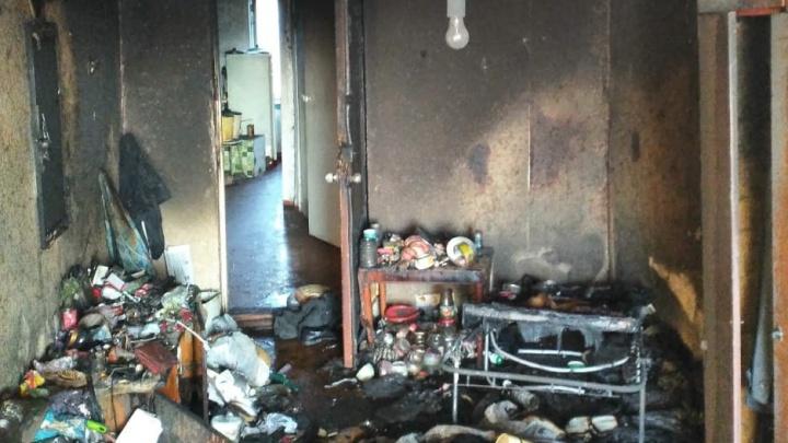 В Зубчаниновке из пожара в коммуналке вытащили мужчину без сознания