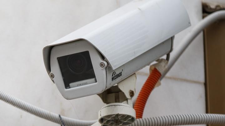 Разработчики ошиблись: волгоградских водителей штрафовала камера с вечным сроком поверки