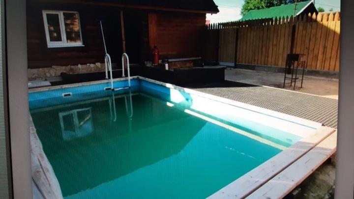 В Перми 6-летняя девочка утонула в бассейне банного комплекса