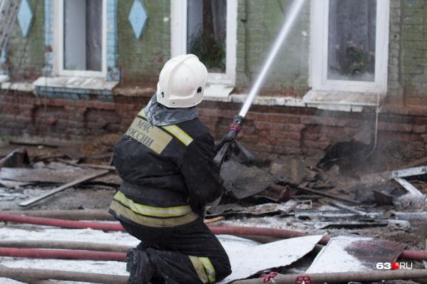 Пожарные 20 минут тушили возгорание в частном жилом доме
