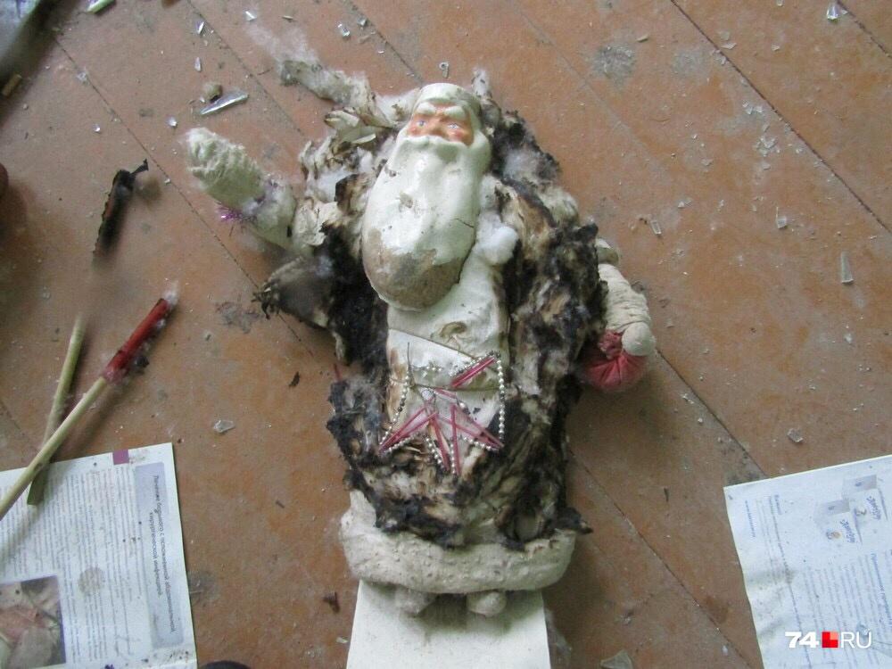 Всё потому, что до реставрации он выглядел вот так — нетронутым после пожара осталось лишь лицо