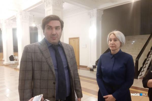 Министр здравоохранения региона Константин Хальзов рассказал, что сейчас состояние заболевшей — удовлетворительное