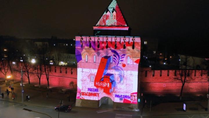 Праздничную инсталляцию включат на Дмитриевской башне. Вы можете увидеть ее прямо сейчас