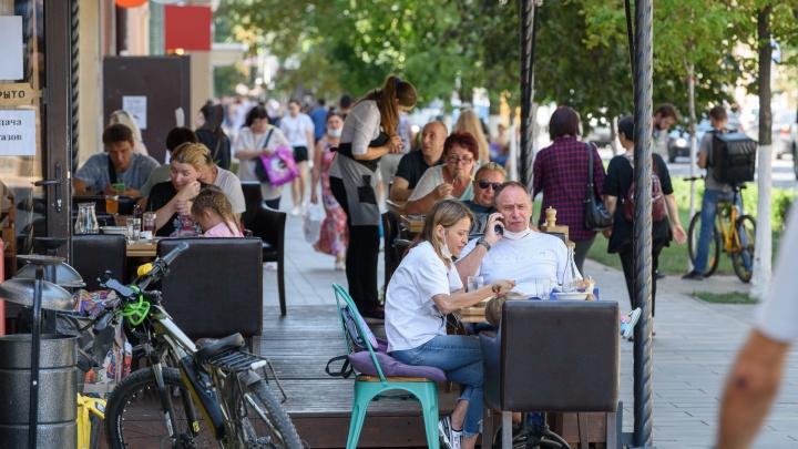 «Хотелось бы раньше»: рестораторы Ростова прокомментировали решение Голубева открыть общепит