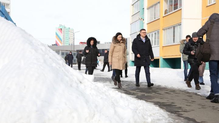 Текслер и Котова проверили, как чистят Челябинск, и оценили новую технику для уборки снега